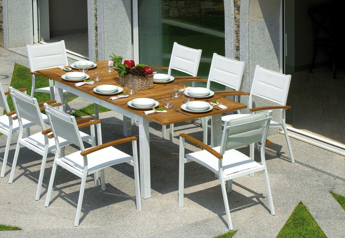 Produzione Tavoli Da Giardino.Mobili Da Giardino Roma Stilisti Di Spazi Aperti Tavoli Sedie Salotti
